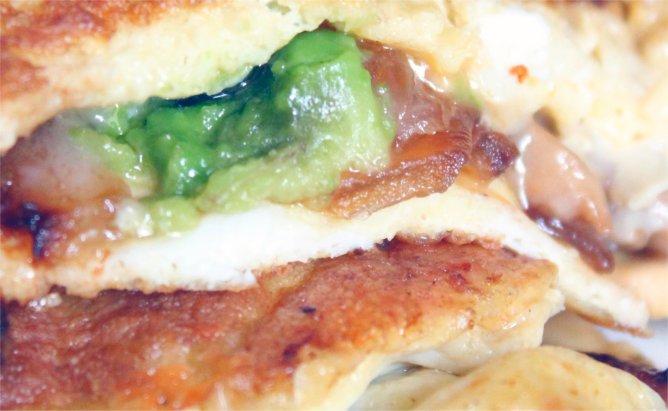 avocado mushroom brie omelette