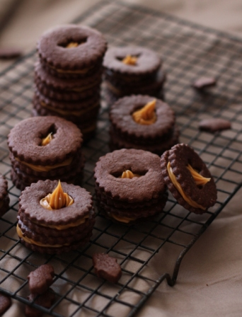 Halloween Recipes: Dulce de Leche Bat Cookies