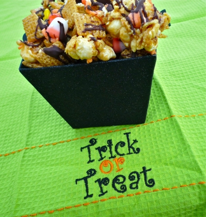 Halloween Recipes: Spooky Good Popcorn Snack Mix