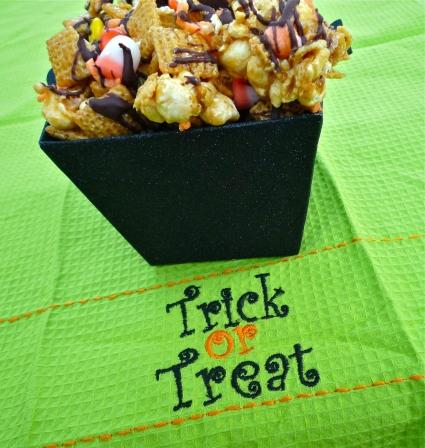 Halloween Recipes: Spooky Good Popcorn Snack Mix