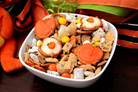 Halloween Recipes: Pumpkin Halloween Munch