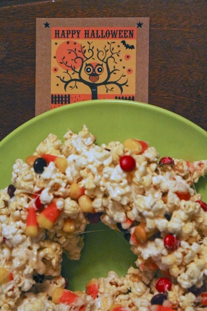 Halloween Recipes: Halloween Popcorn Cake
