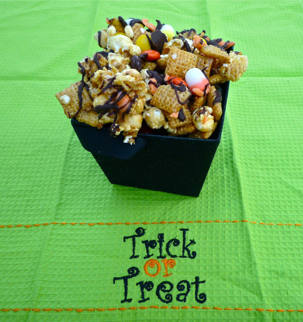Spooky Good Popcorn Snack Mix