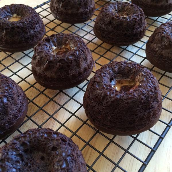 Milky-Way-Caramel-Chocolate-Mini-Bundt-Cakes-6