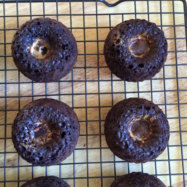 Milky-Way-Caramel-Chocolate-Mini-Bundt-Cakes-7