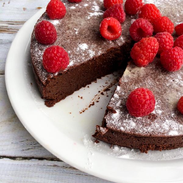 Ghirardelli Gluten-Free Flourless Chocolate Cake